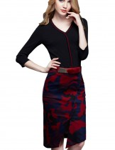 Dahlia Women's Petite Black Long Sleeve Red Camo  Sheath Dress