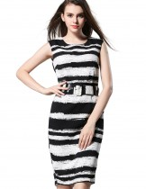Dahlia Women's Petite Black and White Sheath Dress