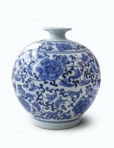 Dahlia Ancient Lotus Motif Blue and White Porcelain Flower Vase